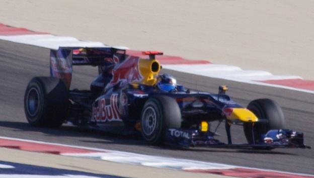 Sebastian-Vettel-Red-Bull-Renault-Bahrain-2010.jpg